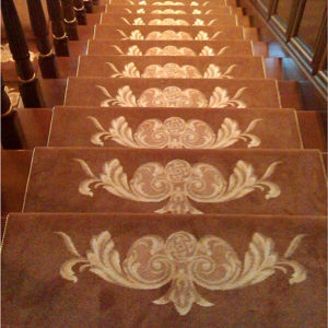 Ковровое покрытие на лестницу